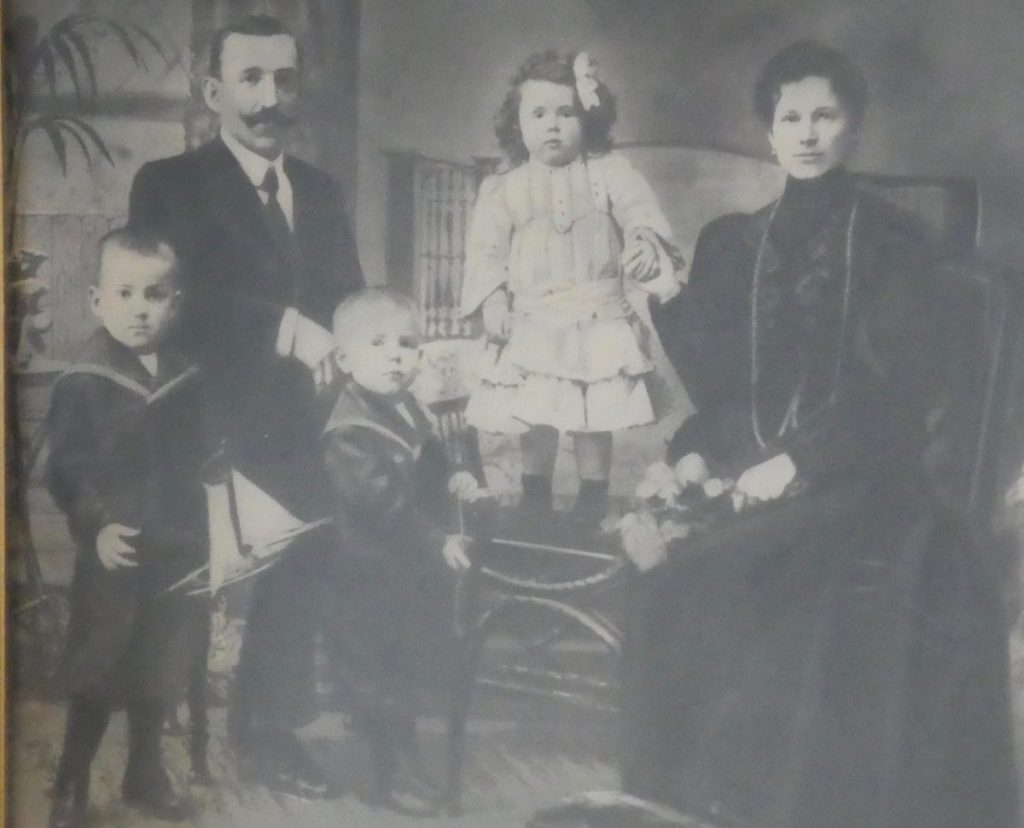 Anzur family portrait in Ljubljana.